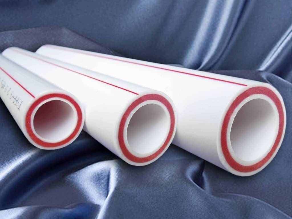 Достоинства полимерных труб в устройстве сантехники