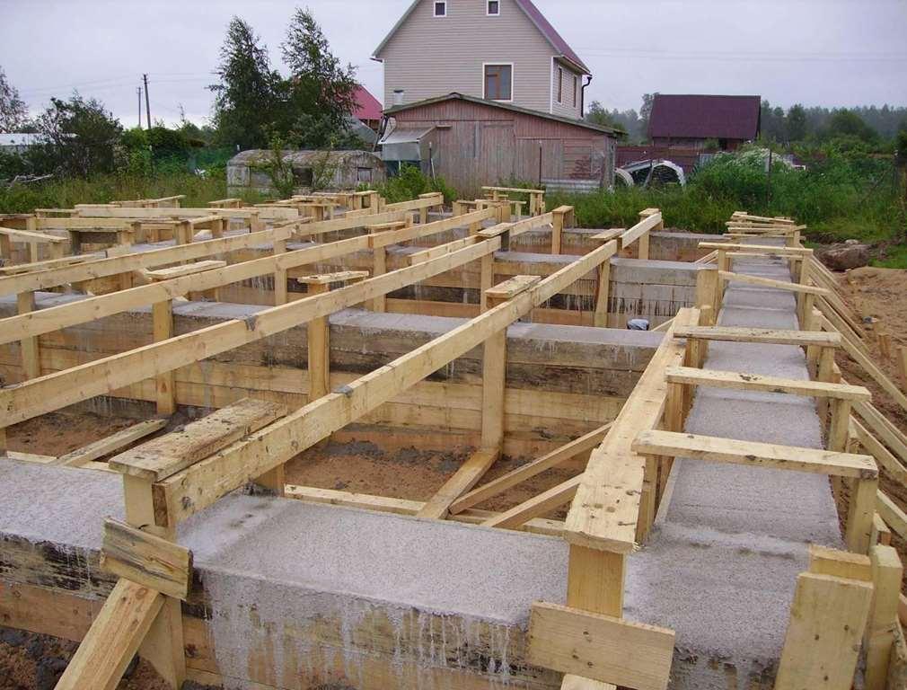 Виды фундамента для дома из кирпича